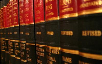 Nadzwyczaj nagminnie ludzie dzisiaj potrzebują pomocy prawnika.